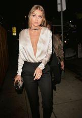 Gigi Hadid choker glam