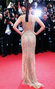 rs_634x1024-160511101602-634.Bella-Hadid-Cannes-Red-Carpet.jl.051116