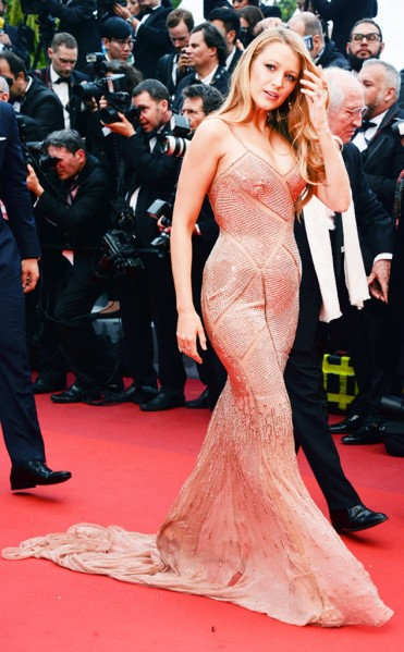 rs_634x1024-160511121829-634.Blake-Lively-cannes-red-carpet