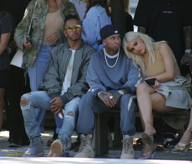 kim-kardashian-and-kylie-jenner-all-watching-kanye-wests-fashion-show-in-nyc-on-the-hudson-river
