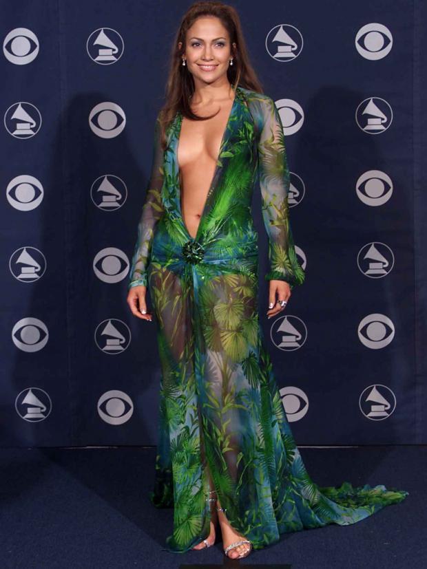 J.Lo u kultnoj Versaći haljini
